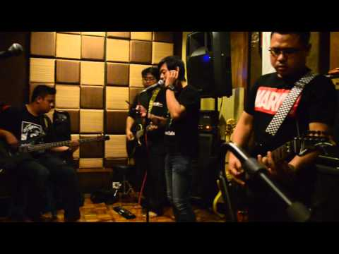 Natural band - cover ungu waktu yang di nanti live starlight studio