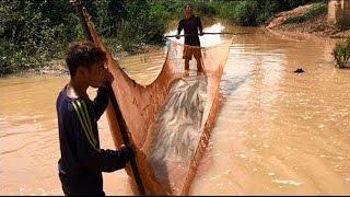 Рыбалка в Камбоджи ловля рыбы сетями