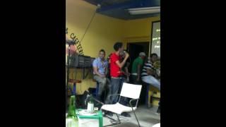 Buchito cantando en el Karaoke - Medicina de amor - Raulin Rodriguez
