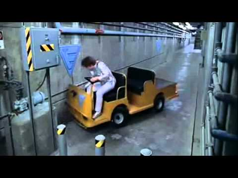 Austin Powers Making A Three Point Turn With The Luggage