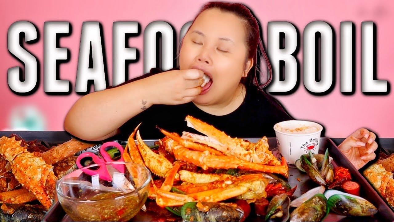 KING CRAB LEGS + GIANT CRAWFISH + MUSSELS + SNOW CRAB LEGS SEAFOOD BOIL MUKBANG 먹방 EATING SHOW!