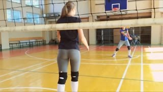 MARTYNOFF | GIRLS PLAYING VOLLEYBALL