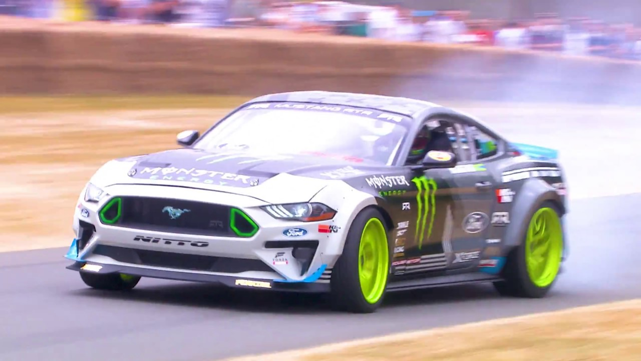 Vaughn gittin jr drifts his ford mustang rtr at festival of speed 2018