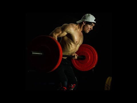 My FIRST TIME | CRAZY Photo Shoot | Teen Bodybuilding