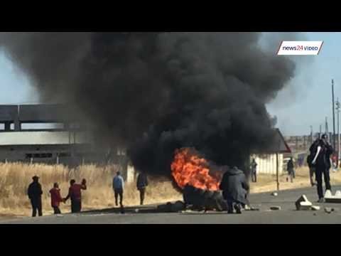WATCH: Protesters clash with police in Zimbabwe's capital