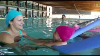 Video Sofía y Sara en piscina download MP3, 3GP, MP4, WEBM, AVI, FLV Oktober 2018