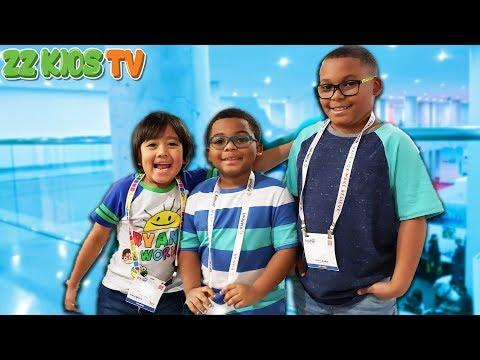 Wait Is That Ryan ToysReview? (ZZ Kids Vs DavidsTV! Who Will Win?) 2019 Toy Fair NYC