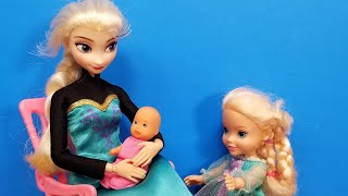 Baby at home ! Elsa & Anna toddlers  someone is jealous  sleeping  joy