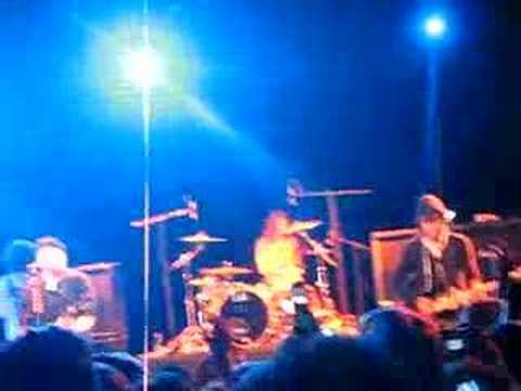 Fall Out Boy en Chile 2008 - I'm Like A Lawyer With The Way