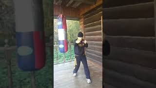 12 вариантов защиты в боксе. Урок бокса 6. Уклоны, нырки, блоки, подставки, накладки, глухая защита.
