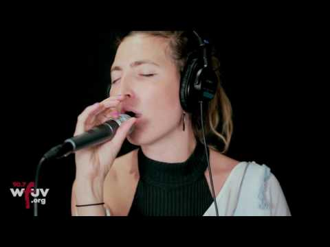 """Warpaint - """"Whiteout"""" (Live at WFUV)"""