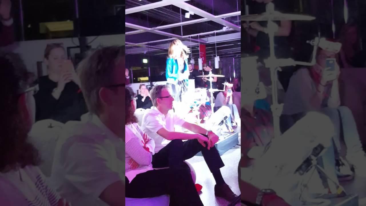Mia Was Es Ist Live In Hamburg Beim Wohnzimmerkonzert Mbel Hffner 221016