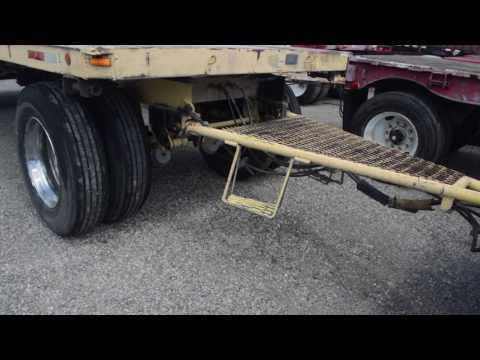 1979 24' Utility Double Flatbed Trailers / Charter Trucks - u10665