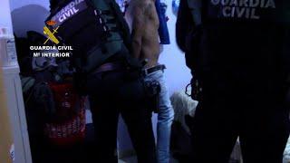 Guardia Civil desarticula dos grupos dedicados al robo en el interior de camiones