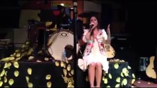Baixar Mariela Flaks - Lonely en vivo