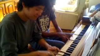 Keyboard Cat theme on piano