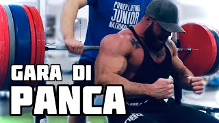 BODYBUILDER VS POWERLIFTERS | amichevole di panca piana