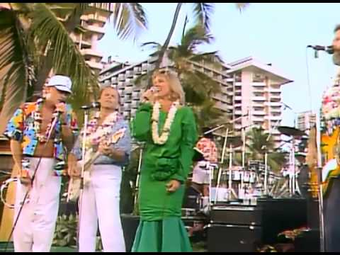 Belinda Carlisle & The Beach Boys - Wouldn't It Be Nice + Band of Gold (High Quality)