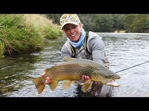 FLYFISHING IN NEW ZEALAND [Bessie fishing West Coast]