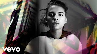 VVVision - Tove Styrke (+ Johnny Cash, Grimes, Whitney Houston)