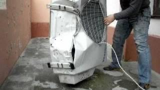 Демонтаж кондиционера(сбрасывание кондишана, так как по другому уже было не снять =), 2010-11-08T09:00:13.000Z)