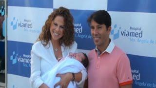 Pastora Soler presenta a su hija Estrella