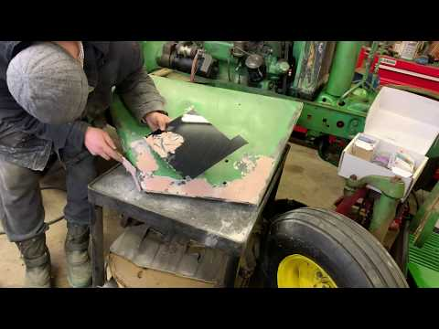 Painting the Inside of the Battery Box and Sanding Fenders John Deere 2510