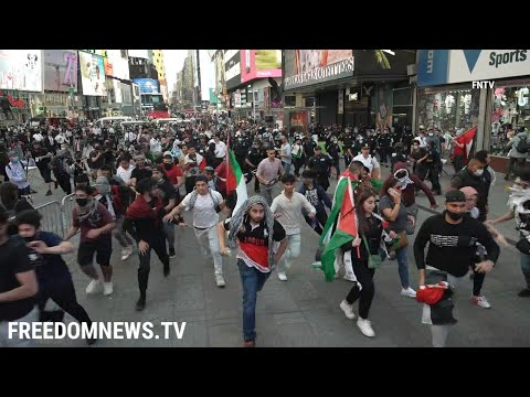 Chaos In Times Square as Fights Break Out Between Pro-Palestine and Pro-Israel Protesters