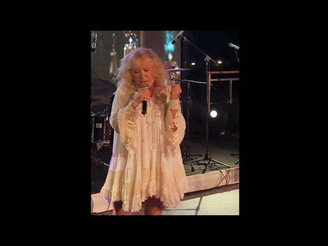 Пугачева станцевала эротический танец на юбилее друга