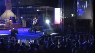 Bis Kota & Semut Hitam - Ahmad Albar feat Laskar Band