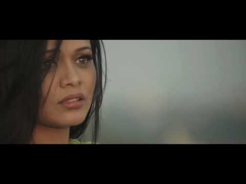 Tu Astis Tar Song Video   Coffee Ani Barach Kahi *.*.*.