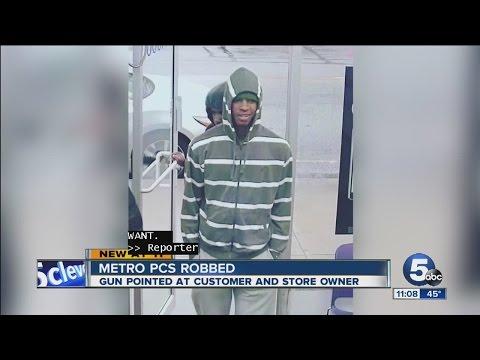 Metro PCS store robbed