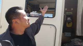 [Bacon's Journey] My RV window was blown away, which is vital when the condition is poor in Tibet.