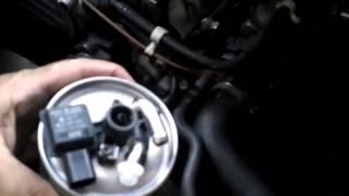 Cómo cambiar el filtro del gasoil. VITO W639 115 CDI. Video 16. How to replace fuel filter.