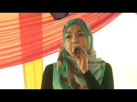 Dewi Soneta Femina - Siapa Sih Kamu