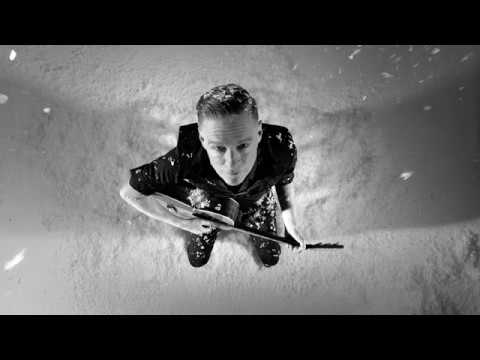 Bryan Adams - Christmas Time (Official Video)