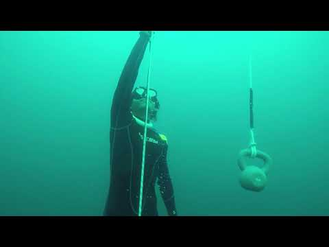 Freedive Training Free Immersion and Freefall 25 Meters