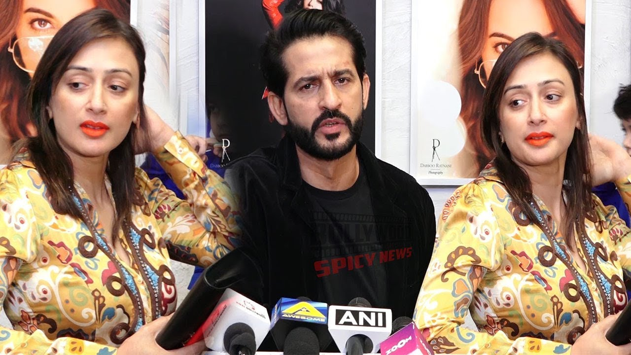 Hiten Tejwani with Wife Gauri Pradhan at Dabboo Ratnani Calendar Launch 2019
