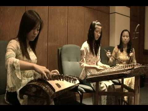 Vietnamese Traditional Music 2