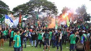 Bonek Hijaukan Stadion Bayuangga