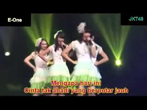 JKT48 - Sepeda untuk berdua with lyric