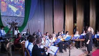 Высший пилотаж: оркестр Калинковичской музыкальной исполняет попурри из фильмов Гайдая