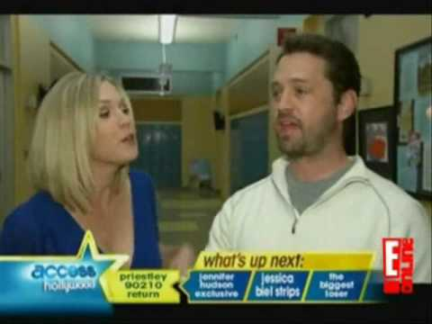 Jennie Garth Attempts to Convice Jason Priestley to Join Her on