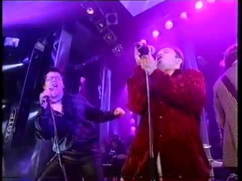 E.M.F. With Reeves And Mortimer - I'm A Believer