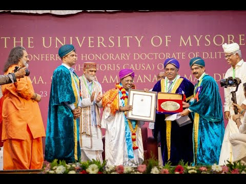 Amma receives Honorary Doctorate of Letters from University of Mysore