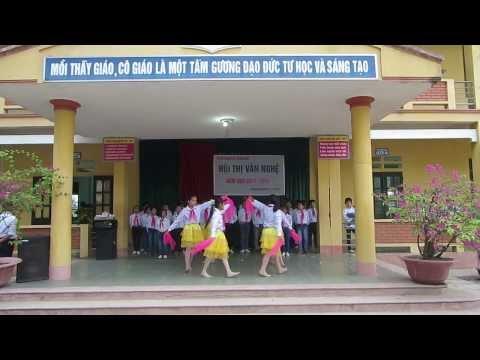 """Hát múa """"Ở trường cô dạy em thế"""" - chi đội 6B- THCS Thượng Đình"""