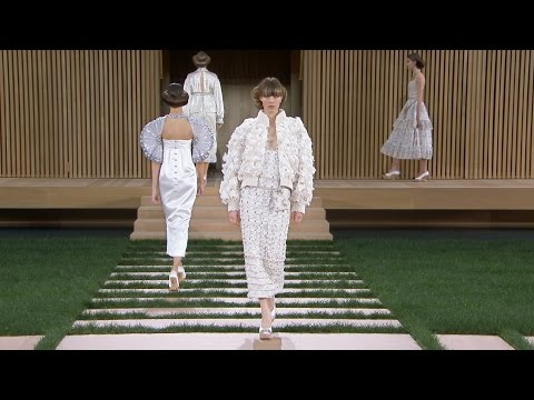 Spring-Summer 2016 Haute Couture Show - CHANEL