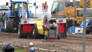 Tractor pulling Oudenhoorn 2011 The Challenger 950 kg modified