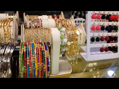 jewellery-shopping-in-metro-store-lahore