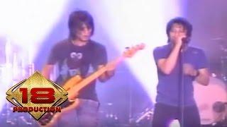 Peterpan - Melawan Dunia (Live Konser Kediri 10 September 2007)